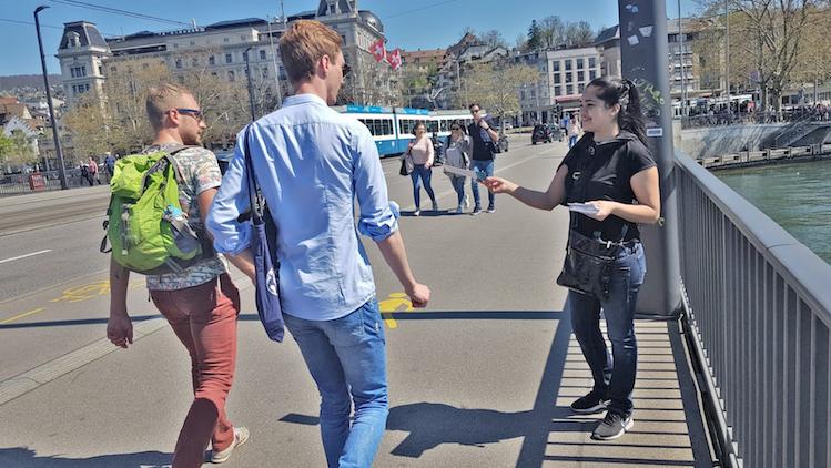 Opération street marketing à Zurich pour ParkNow par l'agence  de publicité jcbdistribution